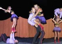 Back_Stage_Kitty_Hagen_acrobatiek_luchtact_4