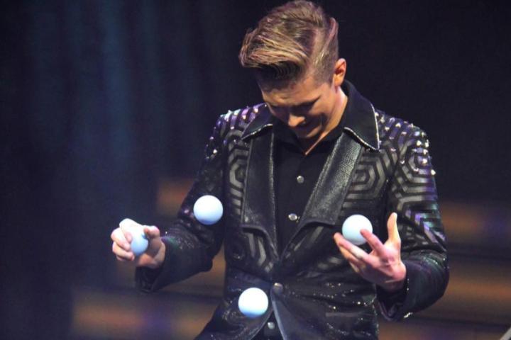 jongleur inhuren